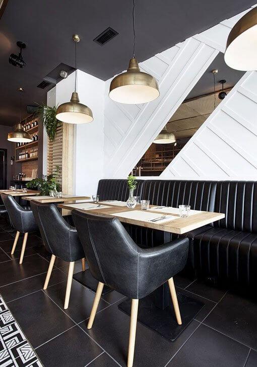 Aranżacja restauracji w czerni