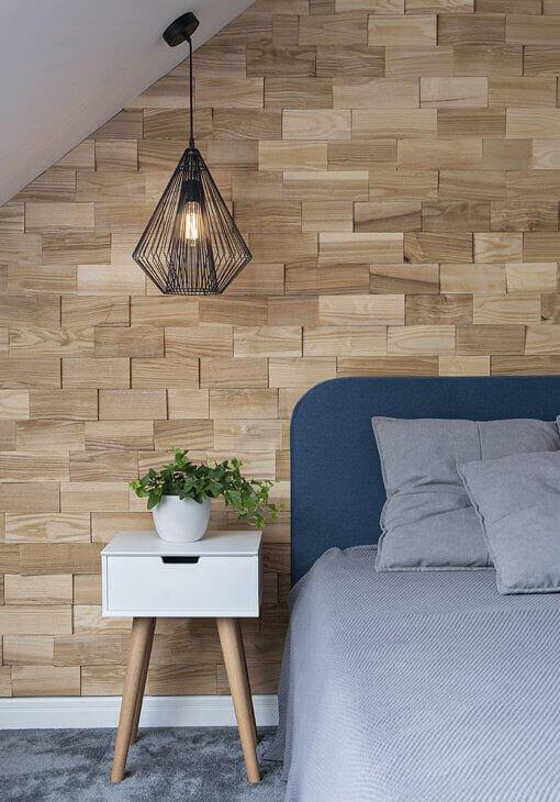 Sypialania z drewnianym przeszyciem